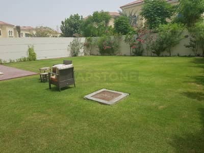 4 Bedroom Villa for Sale in Jumeirah Park, Dubai - 4 BR + Maids with 1 BR Downstairs Big Plot