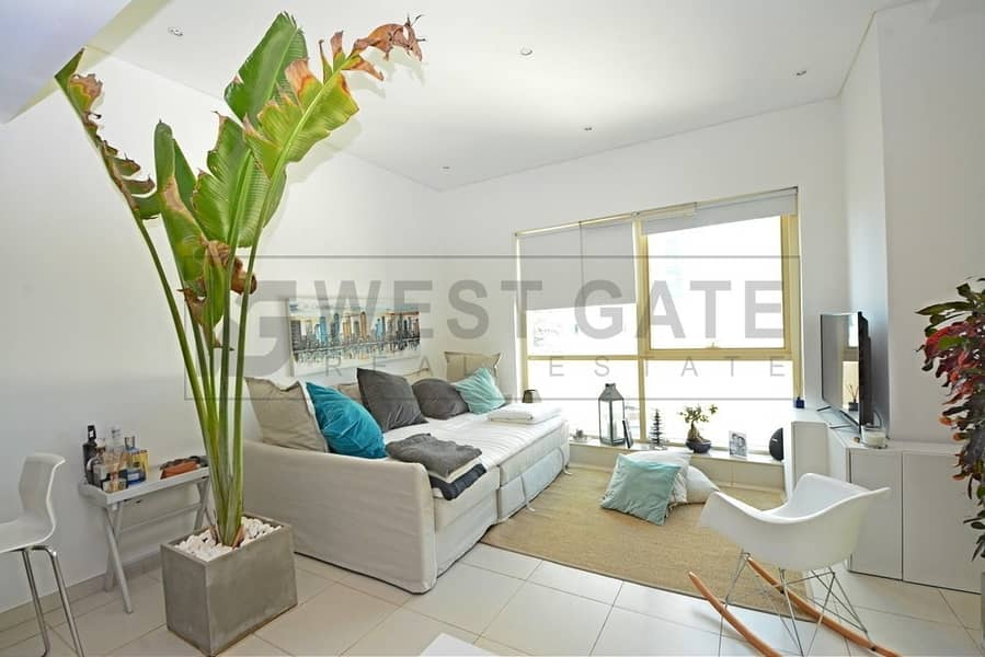 Spacious Terraced Apartment | Premium Location