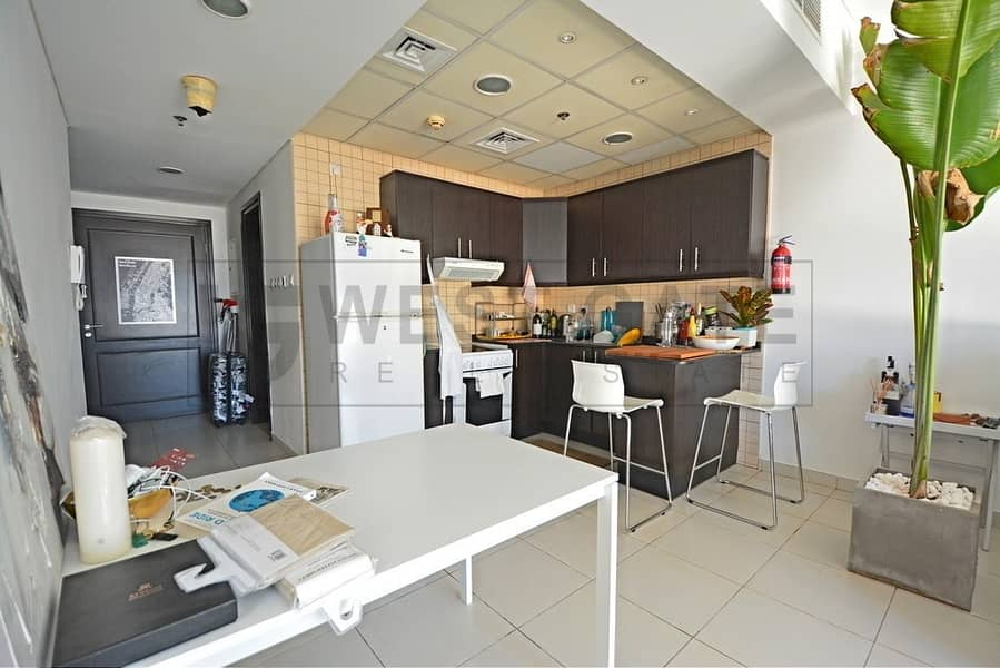 2 Spacious Terraced Apartment | Premium Location