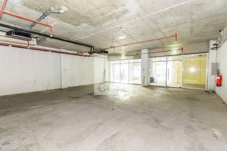 Shop for Rent in Jumeirah Lake Towers (JLT), Dubai - Spacious
