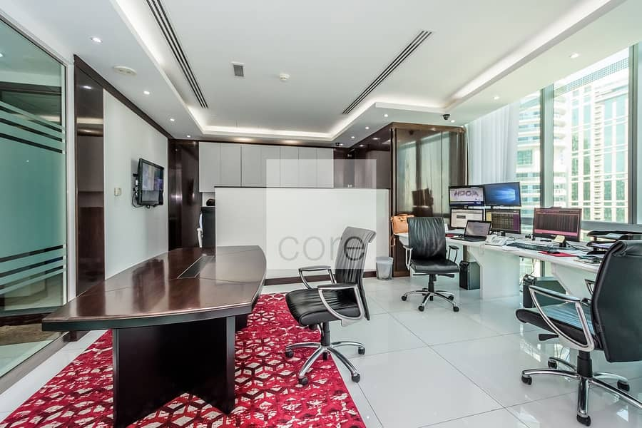2 Fitted and Partitioned | Low Floor | DMCC
