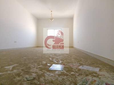 2 Bedroom Flat for Rent in Muwailih Commercial, Sharjah - HUGE 2BHK just 35-K Prime Location full family building
