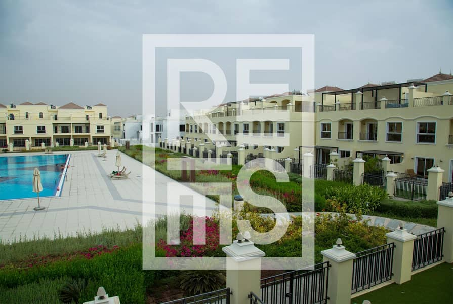 10 4BR The Bayti Townhomes with Pool View