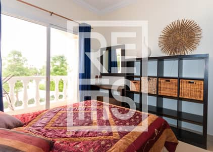 2 Bedroom Townhouse for Sale in Al Hamra Village, Ras Al Khaimah - Furnished 2BR Townhouse with Pool View