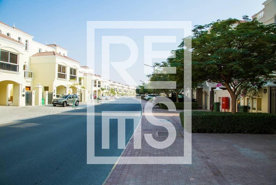 10 3BR Townhouse with Big Kitchen in Al Hamra Village