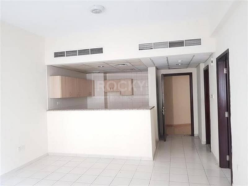 2 Multiple Cheque 1 Bed in International City