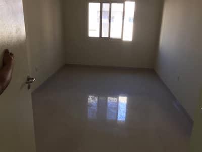 Labour Camp for Rent in Al Quoz, Dubai -   06 People Approved in Al Qouz)