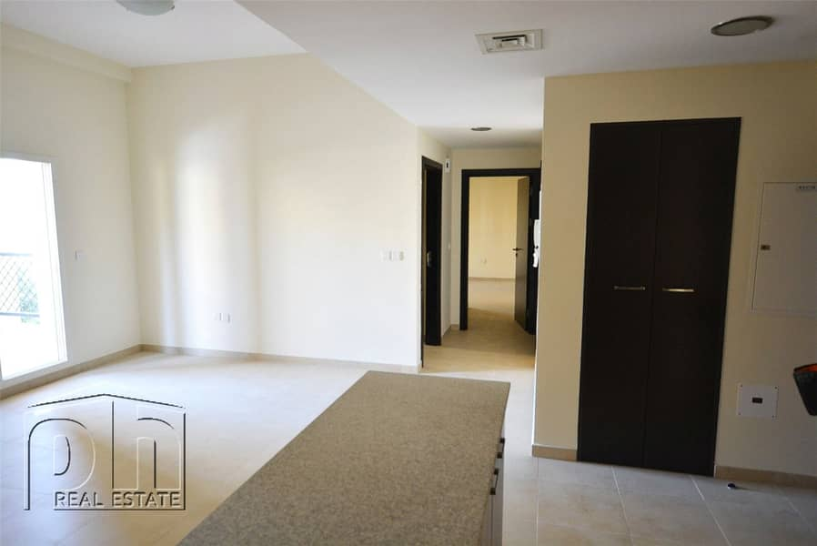Vacant-Available-Inner Circle-Great Price
