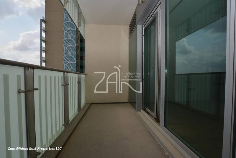 2 Best Deal! Spacious 3+M Apt with Balcony