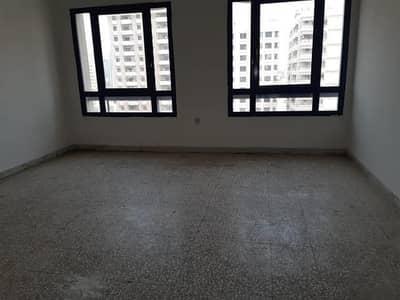 2 Bedroom Flat for Rent in Al Falah Street, Abu Dhabi - Street 2BR APT in Al Falah Street with Balcony