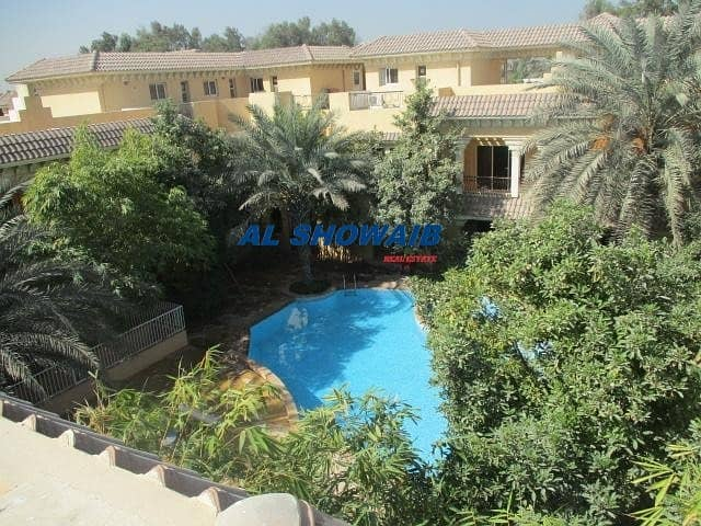 Spacious 4 Br viIla with pool behind spinneys Al Safa 1