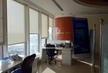 Office for Rent in Business Bay, Dubai - Fully Furnished Office with Horse course view
