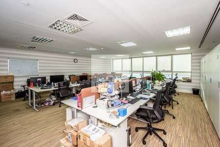 Office for Sale in Jumeirah Lake Towers (JLT), Dubai - Spacious fitted office for sale in JLT