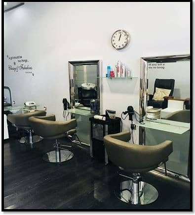 Shop for Rent in Jumeirah Village Circle (JVC), Dubai - JVC ladys salon running well with good income