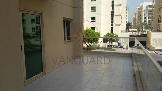 2 Bedroom Apartment for Sale in The Greens, Dubai - 2 Bedroom for sale with Big Balcony in Al Arta 1