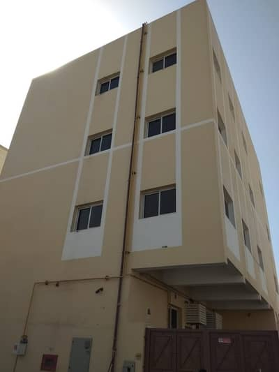 Labour Camp for Rent in Muhaisnah, Dubai - Independent Block of 40 Rooms Available