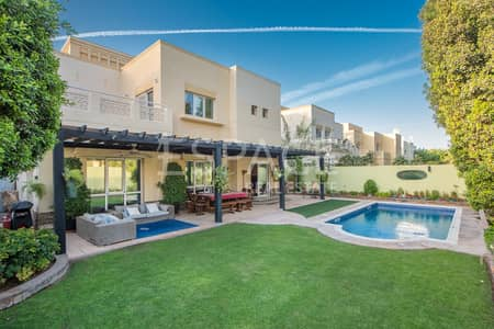 4 Bedroom Villa for Rent in The Meadows, Dubai - Fully Upgraded - Exclusive - Private Pool