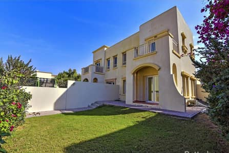 2 Bedroom Villa for Sale in The Springs, Dubai - 2 Bedroom+ Study - Springs 7  - Road View - Easy Viewing