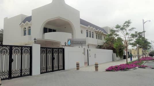 4 Bedroom Villa for Rent in Jumeirah, Dubai - 4 bed room commercial villa for rent in jumeira