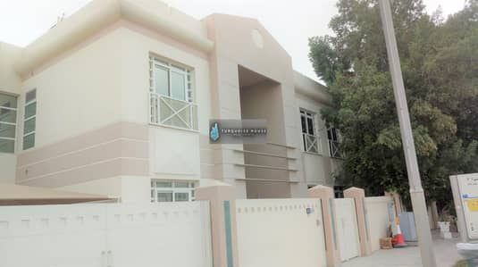 5 Bedroom Villa for Rent in Jumeirah, Dubai - commercial villa 5 bedroom for rent in jumeira