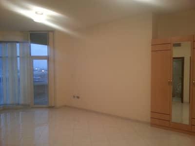 Studio for Rent in Dubai Marina, Dubai - Big studio for rent in Marina pearl, Dubai Marina