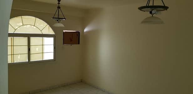 بدون عمولة - غرفة وصالة للايجار في منطقة أبو شغارة