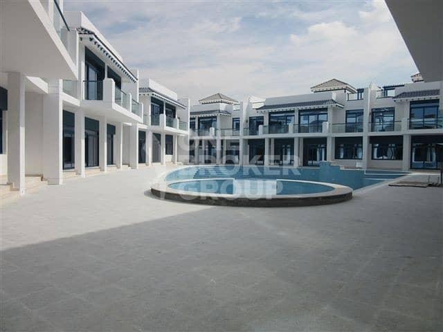 Palm Jumeirah 4 BR+Maids Villa for Sale!