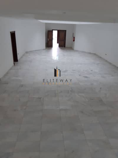 10 Bedroom Villa for Sale in Khalifa City A, Abu Dhabi - New and Big villa  in khalifa A