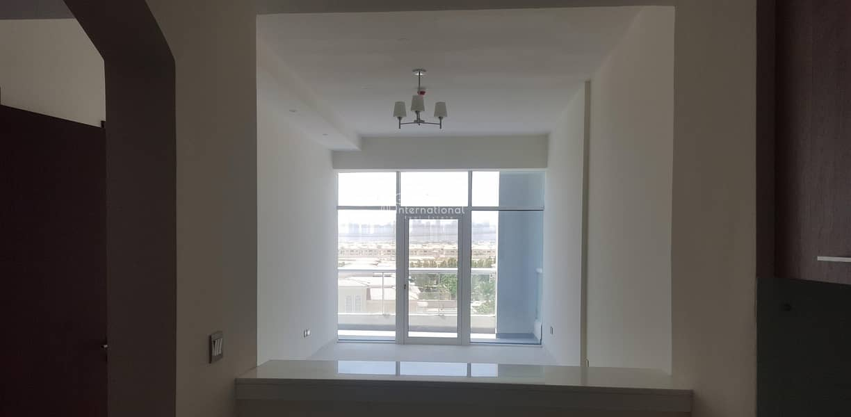 1 1BR JVT Brand New with amazing view