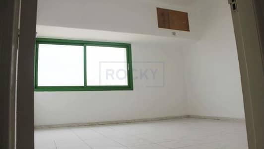 Office for Rent in Al Karama, Dubai - Spacious Office | Window A/C| Al Karama