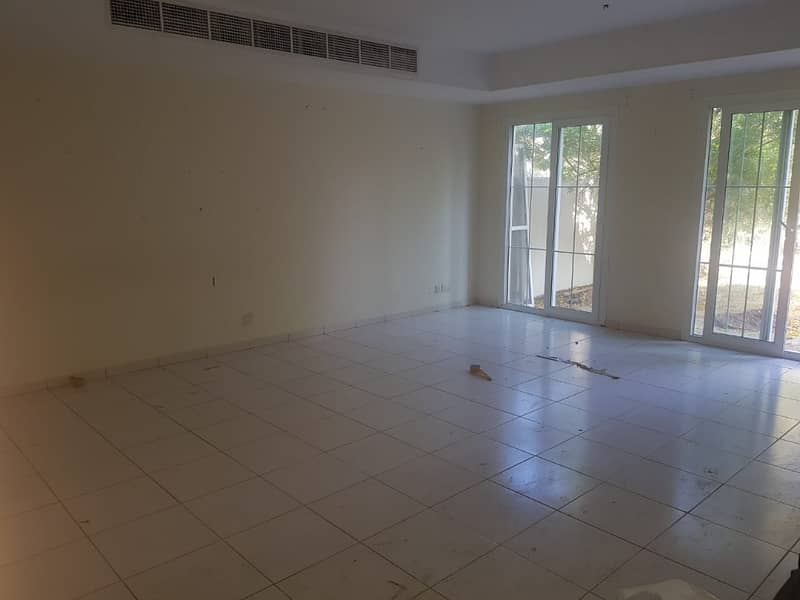HURRY UP ! TENANT WELL MAINTAINED 3 BEDROOM , STUDY,  LAUNDRY 3M THE SPRINGS