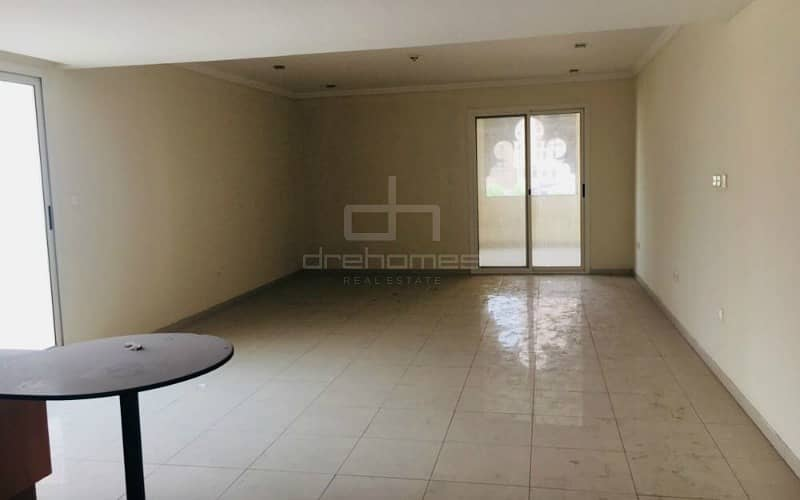 Huge Layout Studio Apartment with Terrace