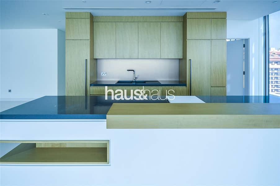 10 Last 3 Bed Penthouse Half Floor Full Sea