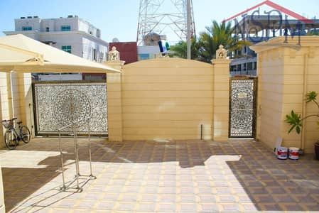 Studio for Rent in Al Zaab, Abu Dhabi - Upscale studio! Direct from owner