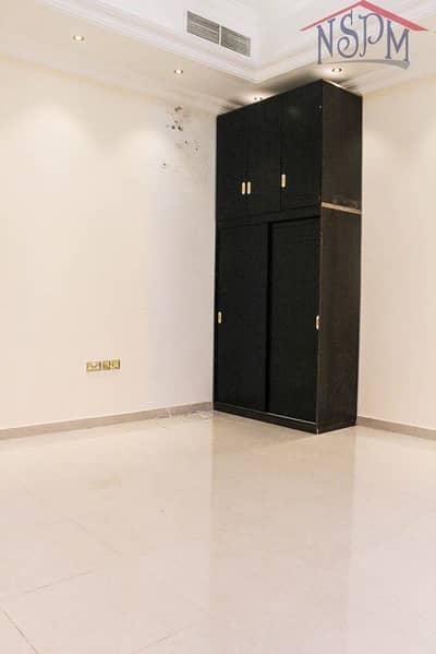 Studio for Rent in Al Zaab, Abu Dhabi - Good for family! Flexible payment! Prime studio!