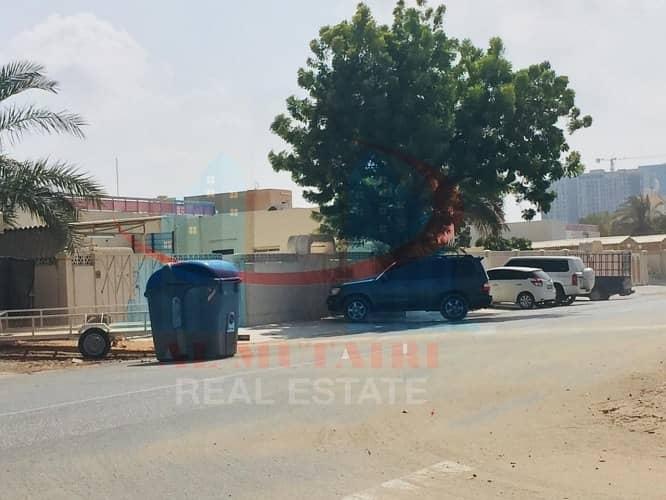 Villa for rent in Ajman area Musheirf one floor\
