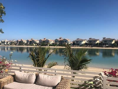 4 Bedroom Villa for Rent in Palm Jumeirah, Dubai - Luxurious well maintained 4 BR Villa in Palm Jumeirah for Rent