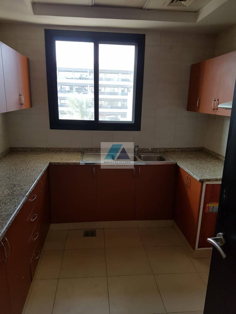 2 CLOSE TO BUS STOP!!C/AC FRONT VIEW 2BHK