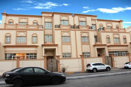 Studio for Rent in Al Bateen, Abu Dhabi - You can be confused in this STUDIO into a 1 BEDROOM!
