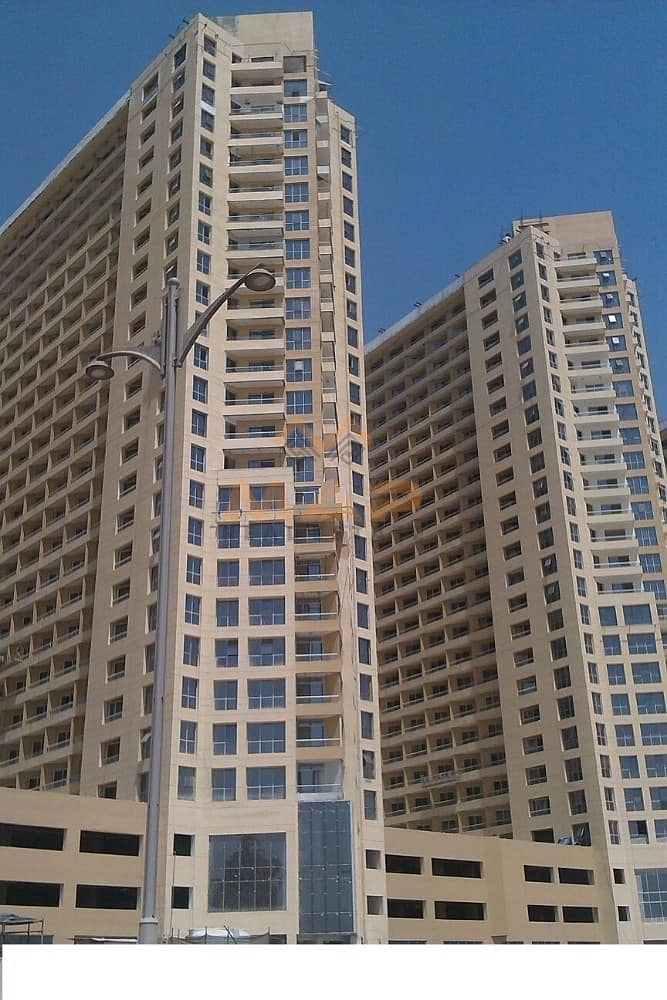NO COMMISSION!! Studio with balcony on high floor facing City Centre in Lake Side Tower D