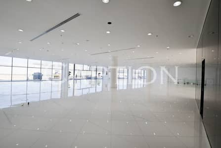 Prime Showroom on Sheikh Zayed road.  Ready and fitted. Reasonable rent. Ample Parking. Ideal for CARS showroom