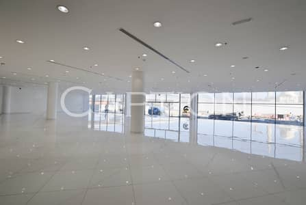 Showroom for Rent in Sheikh Zayed Road, Dubai - Prime Showroom on Sheikh Zayed road.  Ready and fitted. Reasonable rent. Ample Parking. Ideal for CARS showroom