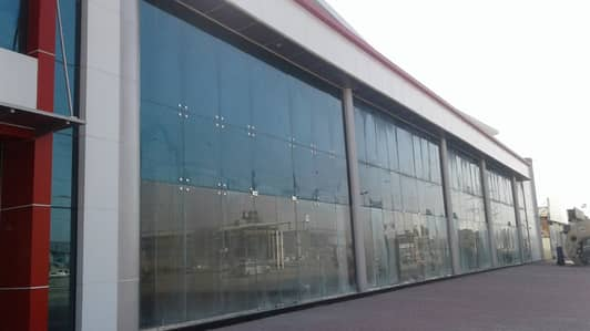 Showroom for Rent in Umm Ramool, Dubai - Showroom No Commission Govt Tax Included