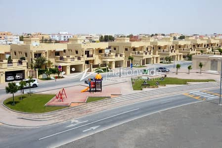 3 Bedroom Villa for Rent in Baniyas, Abu Dhabi - 3 BR Corner Villa with Maids in Baniyas!