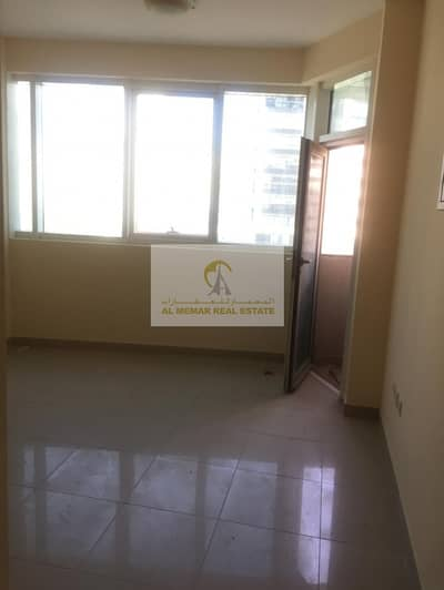 Studio for Rent in Al Majaz, Sharjah - studio for rent in the heart of Sharjah with amazing water view