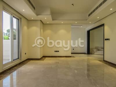 فیلا 5 غرفة نوم للايجار في جميرا، دبي - Brand new  Spacious  5 Bedroom Villa with  Swimming pool available for Rent in Jumeirah 1