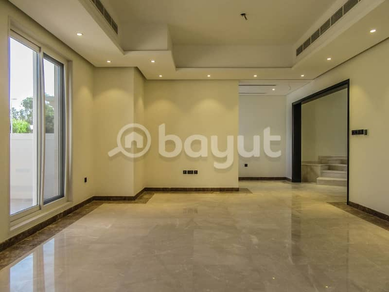 Brand new  Spacious  5 Bedroom Villa with  Swimming pool available for Rent in Jumeirah 1