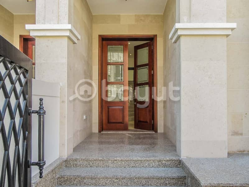 2 Brand new  Spacious  5 Bedroom Villa with  Swimming pool available for Rent in Jumeirah 1