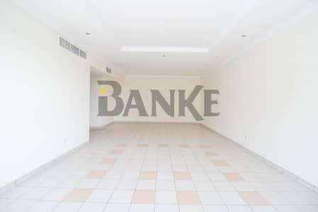 3 Bedroom Flat for Rent in Al Wasl, Dubai - Free 1 month | Part of a Shopping Centre