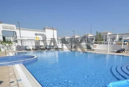2 Bedroom Apartment for Rent in Al Wasl, Dubai - Free 1 month Part of a Shopping Centre   Spacious  2BR w/ storage